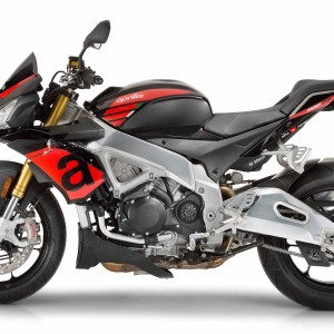 2017-Aprilia-Tuono-V4-1100-RR-First-Look-Review-3