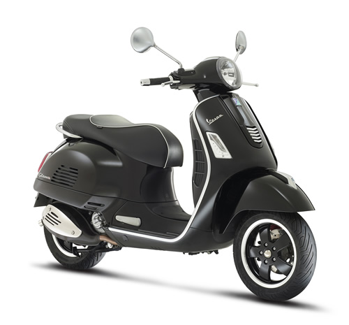 vespa-gts-super-black
