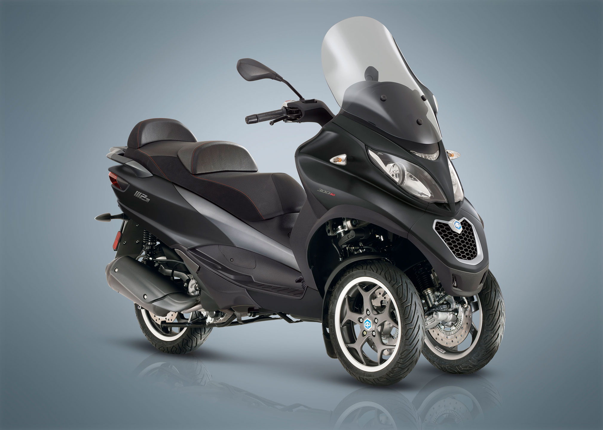 piaggio mp3 350 sport motocentrum km svit. Black Bedroom Furniture Sets. Home Design Ideas